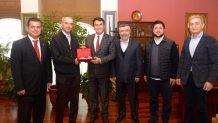 Osmangazi Belediye Başkanı Sn Mustafa Dündar'ı makamında ziyaret ettik.